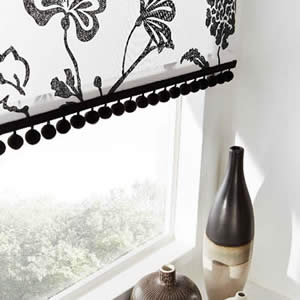 roller-blinds-options-braid-poms