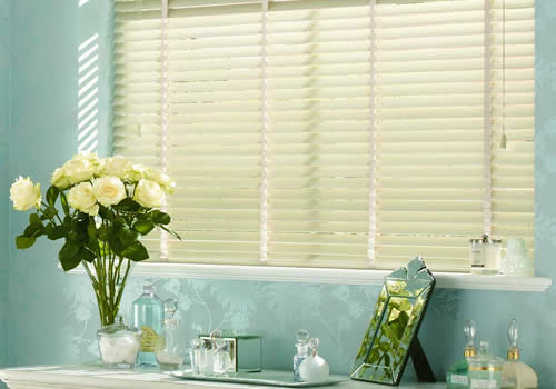 wooden blinds in Aberdeen ecru