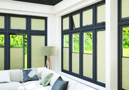 Perfect Fit Blinds in Aberdeen Strata-Poplin_Anthracite low_Cameo-