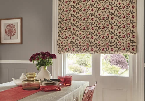 Roman blinds in Aberdeen salinas red
