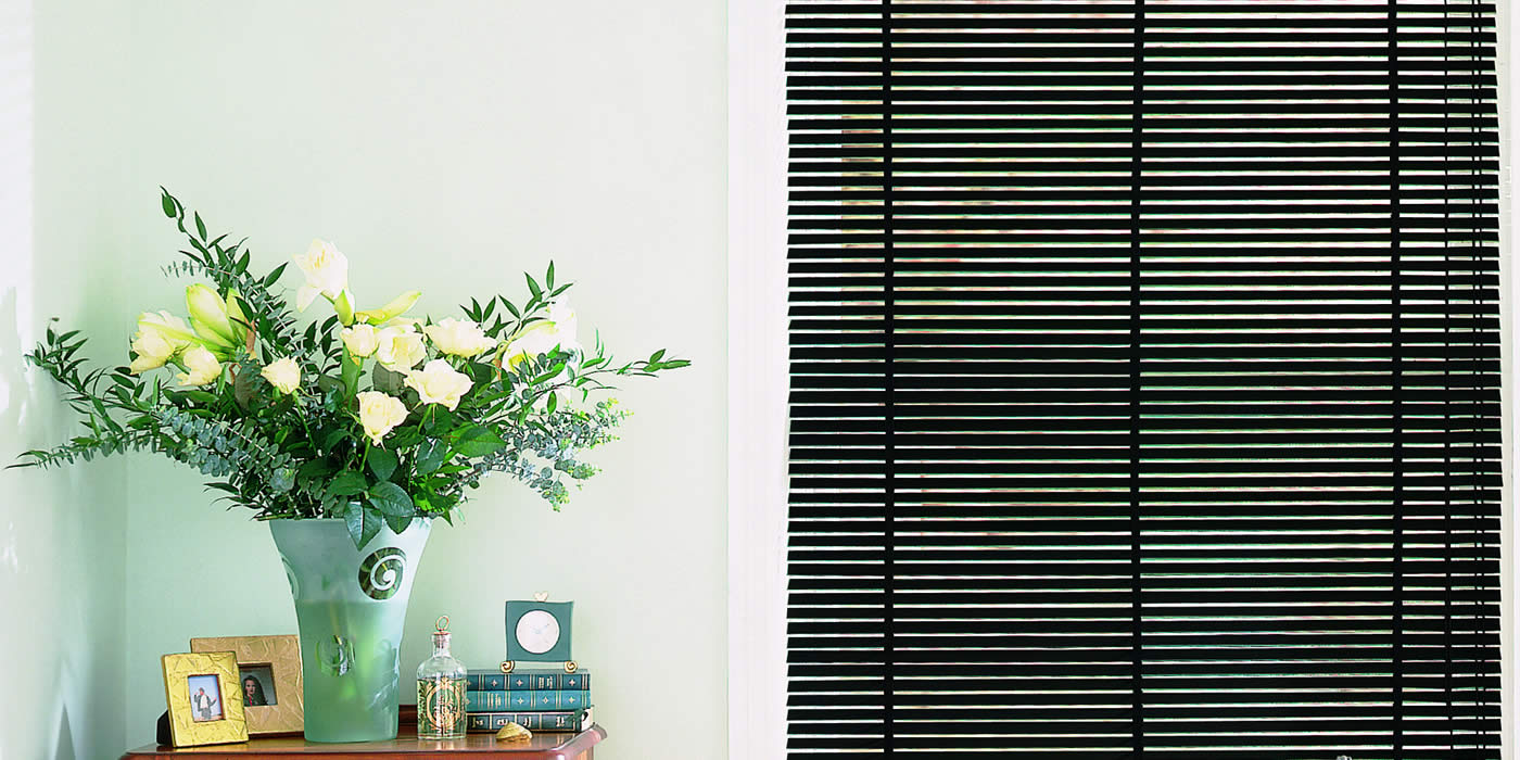 wooden blinds -pianoblack-LARGE